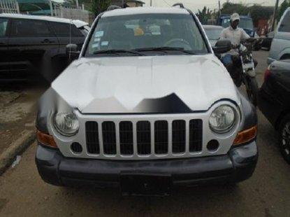 Neat Nigerian used 2007 Jeep Liberty