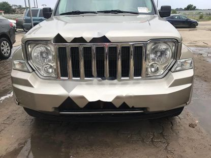 Neat Foreign used Jeep Cherokee 2010
