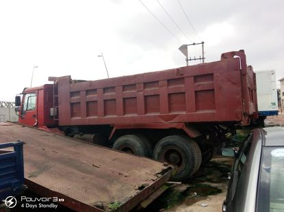 Foreign Used HOWO 6X4 Dump Truck 2010 Model Red
