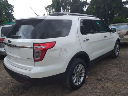 Very Clean Foreign used 2015 Ford Explorer
