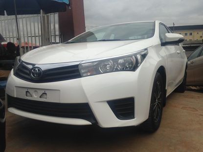 Foreign Used Toyota corolla 2015 Model White for Sale