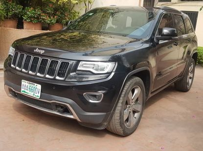 Clean 2014 Grand Cherokee Jeep Bought Brand new