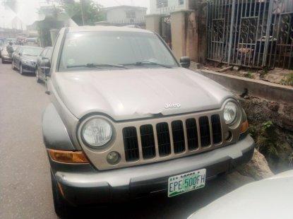 Nigerian Used Jeep Liberty 2004 Petrol Automatic Gold