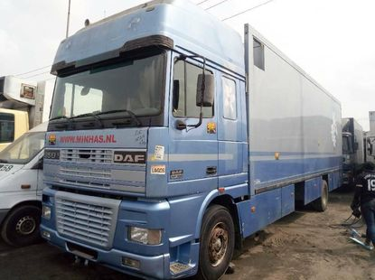 Foreign Used DAF XF 2001 Model Blue