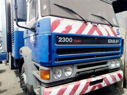 Foreign Used DAF 2560 2000 Model Blue