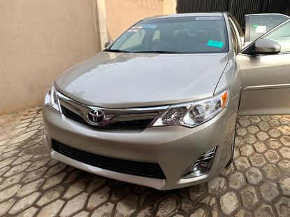 Toyota Camry 204 XLE Foreign Used