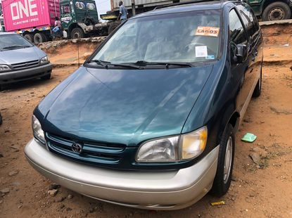 Foreign Used Toyota Sienna 2001 Model