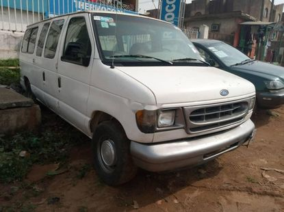 Nigeria Used Ford E-250 2000 Model White