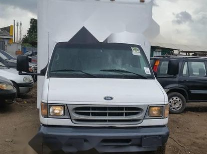 Foreign Used 2002 White Ford E-350 for sale in Lagos