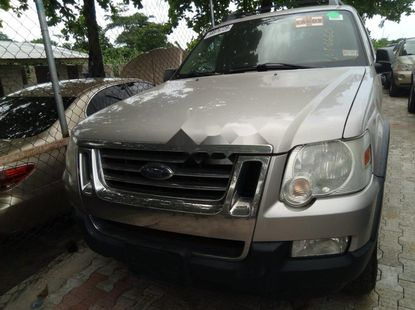 Foreign Used Ford Explorer 2008 Model Silver