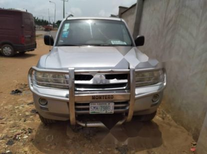 Locally Used 2006 Silver Mitsubishi Montero for sale in Lagos.