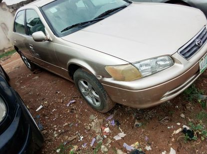 Nigeria Used Toyota Camry 2002 Model Gold