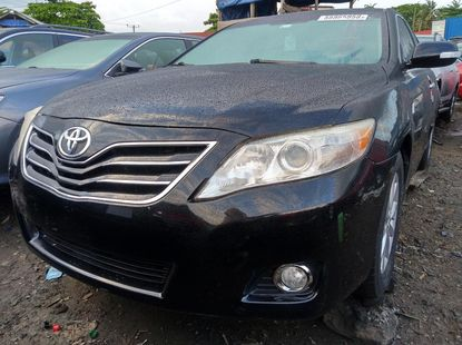 Fairly Used 2011 Black Toyota Camry for sale in Lagos