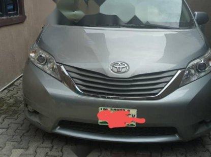 Nigeria Used Toyota Sienna 2014 Model Silver