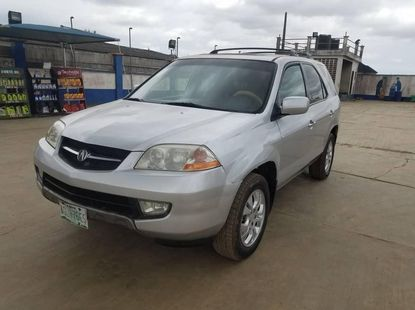 very clean and sharp Acura MDX 2003