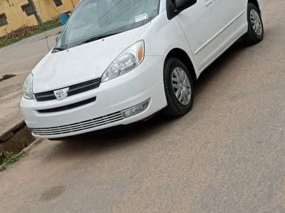 Accident Free Tokunbo Foreign used 2005 Toyota Sienna