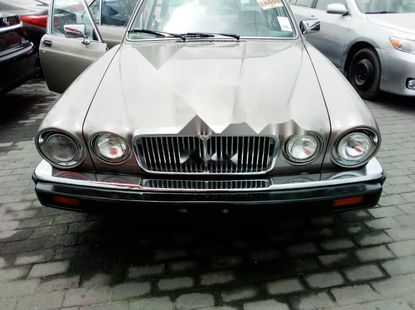 Foreign Used Jaguar XJ 1987 Model Silver