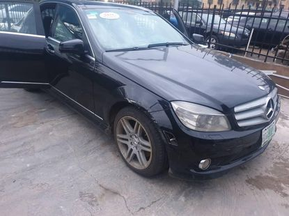 Locally Used 2009 Black Mercedes-Benz C350 for sale in Lagos.