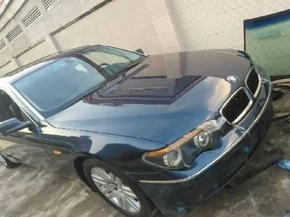 Foreign Used BMW 7 Series 2004 Model with Refrigerator