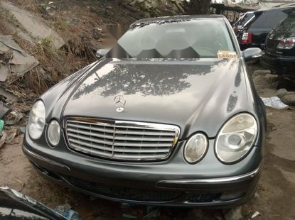 Foreign Used 2006 Dark Grey Mercedes-Benz E350 for sale in Lagos.
