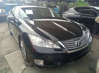Foreign Used 2012 Black Lexus ES for sale in Lagos.