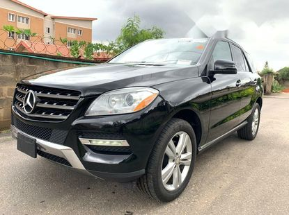 Foreign Used 2013 Mercedes-Benz ML350 for sale in Lagos.