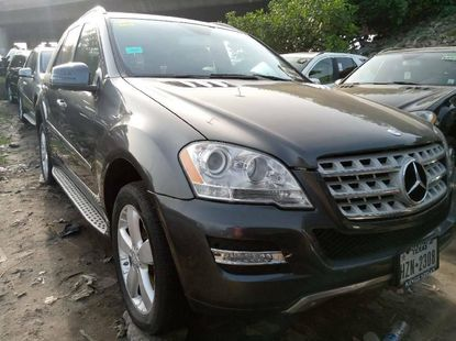 Foreign Used 2011 Dark Grey Mercedes-Benz ML350 for sale in Lagos.