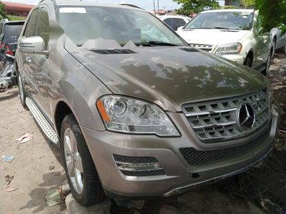 Foreign Used Mercedes-Benz ML350 2010 Model Silver