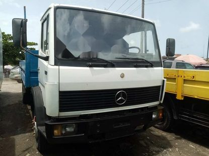 Foreign Used Mercedes-Benz 814 2002 Model White