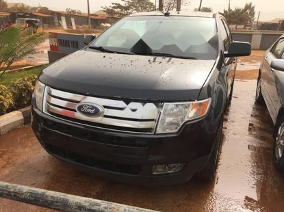 Tons Ford Edge 2010 Model