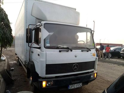 Foreign Used Mercedes-Benz 814 2001 Model White
