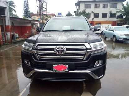 Toyota Land Cruiser 2017 Model Bought Brand New Barely Used