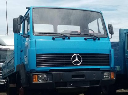 Foreign used 2001 Mercedes-Benz 814 Bucket Truck