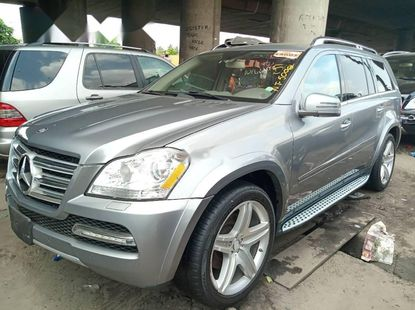 Foreign Used 2015 Grey Mercedes-Benz GL Class for sale in Lagos.
