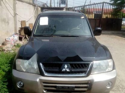 Foreign Used 2005 Black Mitsubishi Montero Sport for sale in Lagos.