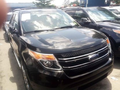 Foreign Used 2013 Black Ford Explorer for sale in Lagos.