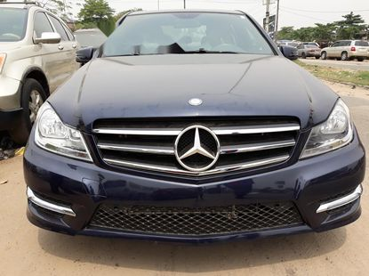 Foreign Used Mercedes-Benz C300 2011 Model Blue