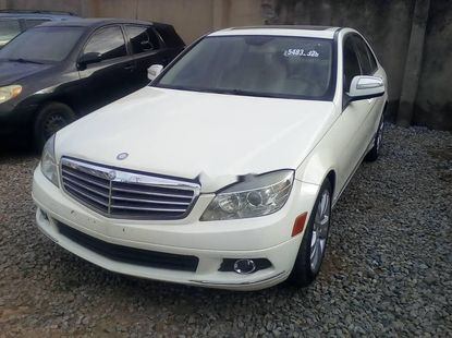 Foreign Used Mercedes-Benz C300 2010 Model White