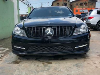 Foreign Used Mercedes-Benz C300 2010 Model Black