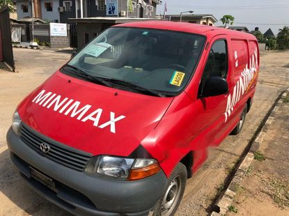 Foreign Used Toyota HiAce 2005 Model Red