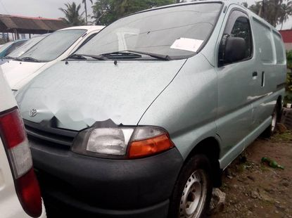 Foreign Used Toyota HiAce 2000 Model Silver