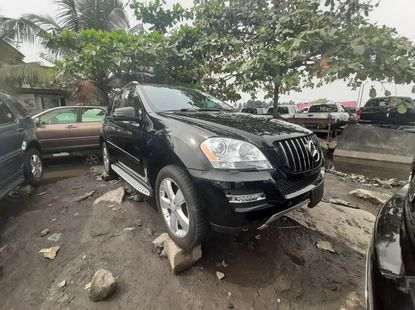 Foreign Used 2010 Black Mercedes-Benz ML350 for sale in Lagos.