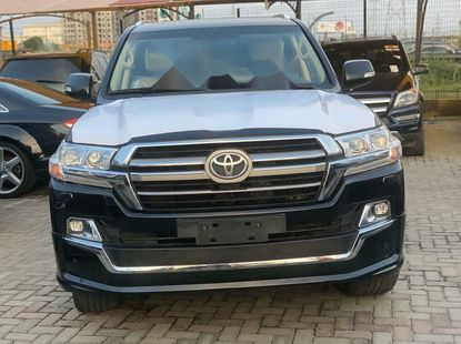 Brand New Toyota Landcruiser V8  2019 Model for sale