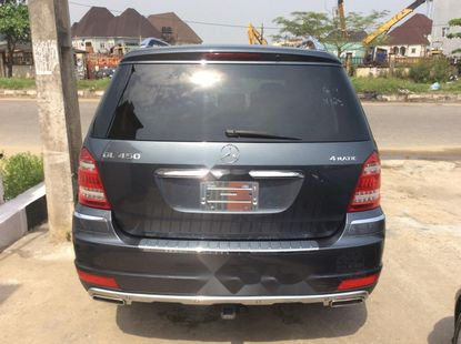 Clean Toks  Mercedes-Benz GL-Class 2011 Model for sale