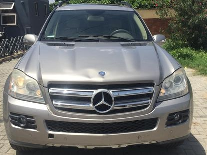 Very clean USA used GL450 4MATIC for sale.