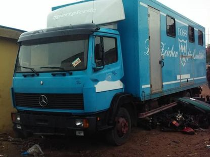 Foreign Used Mercedes-Benz 814 1999 Model Blue