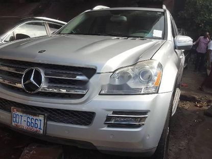 Foreign Used 2009 Silver Mercedes-Benz ML350 for sale in Lagos.