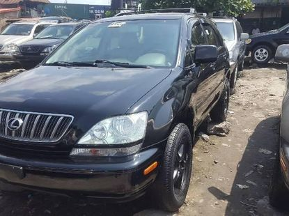 Foreign Used 2002 Black Lexus RX for sale in Lagos.