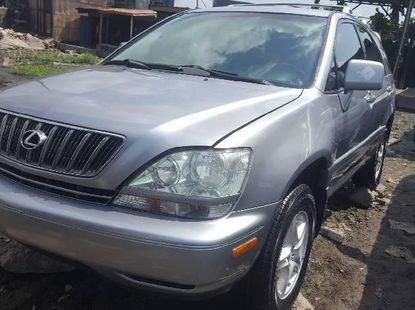 Foreign Used 2002 Silver Lexus RX for sale in Lagos.