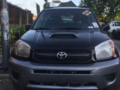 Foreign Used 2004 Black Toyota RAV4 for sale in Lagos.